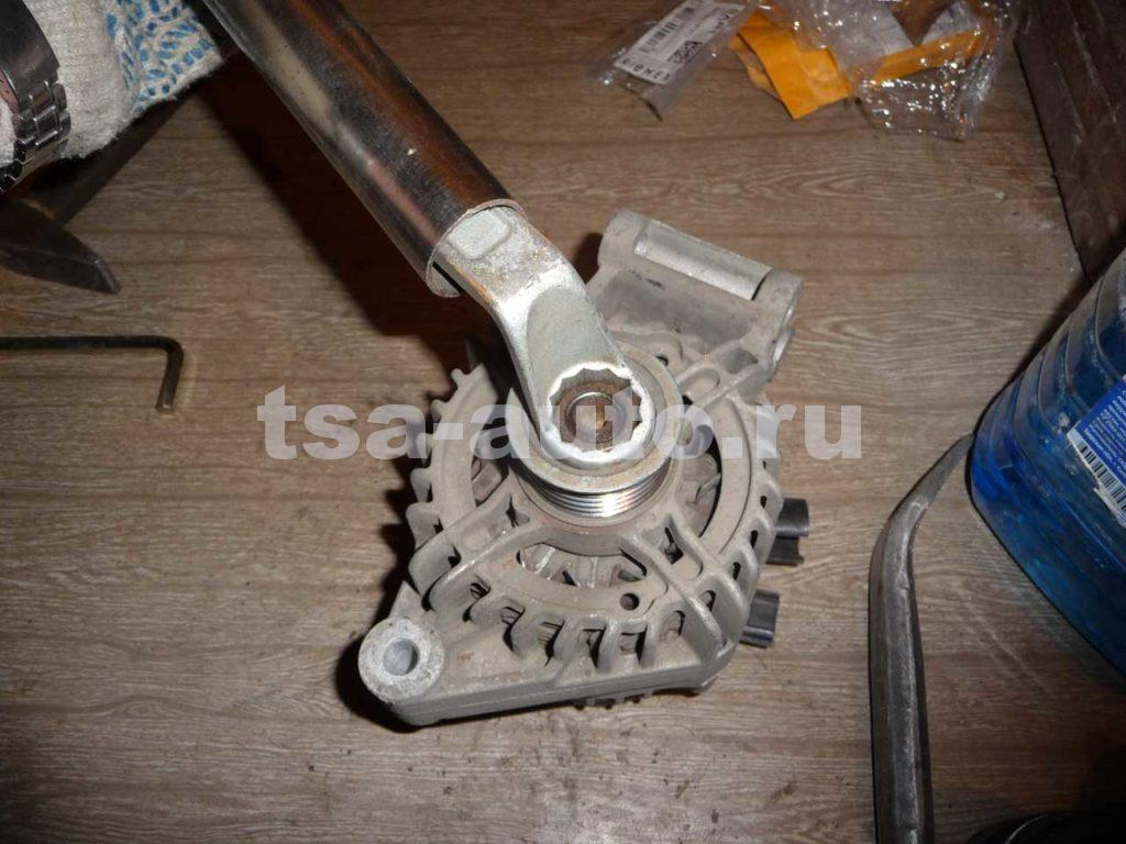 гайка шкива генератора форд фокус 2 ключ 24