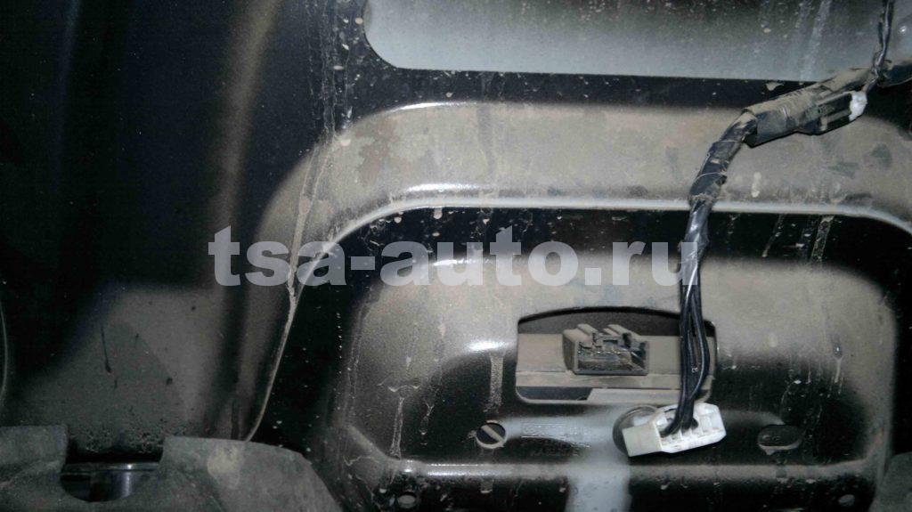 электро разъем багажника Фокус 2 седан