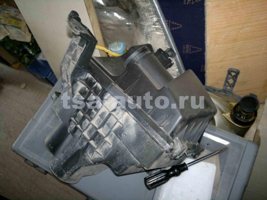снятие корпуса воздушного фильтра Форд Фокус 2